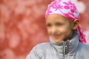 alopecia infantil anagena